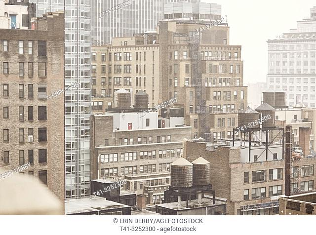 A view from a roof in NYC>