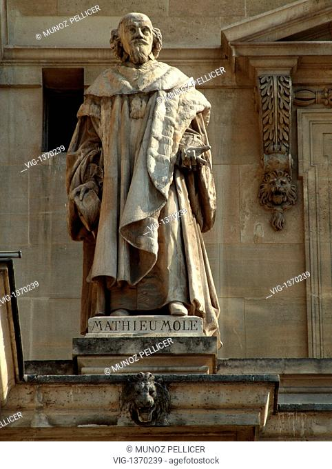 FRANCE, PARIS, 01.05.2007, Statue of Mathieu MOLE, French statesman and first president of the parliament in Paris, at the courtyard of The Louvre Museum -...