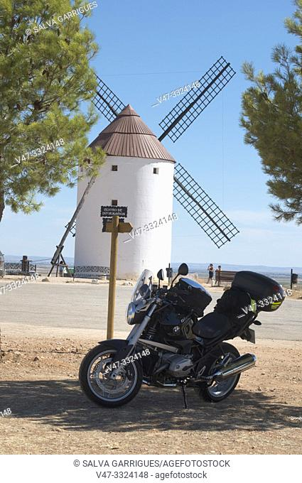 """In the place called """"La Sierra"""", there are Windmills, outstanding monuments of La Mancha, symbol of a past agricultural production structure and reason that..."""