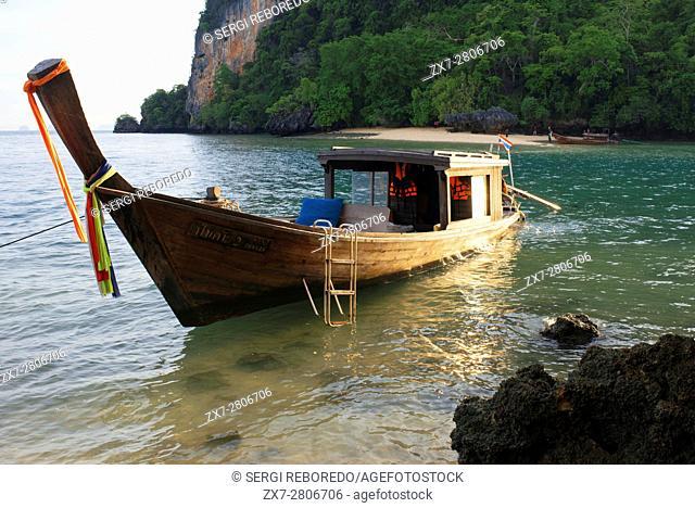 Six Senses Resort, Koh Yao Noi, Phang Nga Bay, Thailand, Asia. Sunrise Picnic breakfast on a deserted Island in Koh Hong archipelago