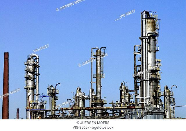 Oil refinery of the Veba Oil Refining and Petrochemicals ( VORP ). - GELSENKIRCHEN, GERMANY, 23/03/2003