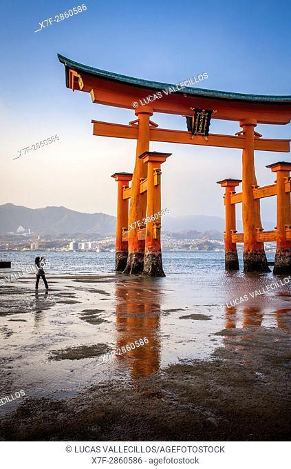 O torii Gate, the giant torii gate that is part of the Itsukushima Shinto Shrine complex, in Itsukushima Island. Also called Miyajima Island, near Hiroshima