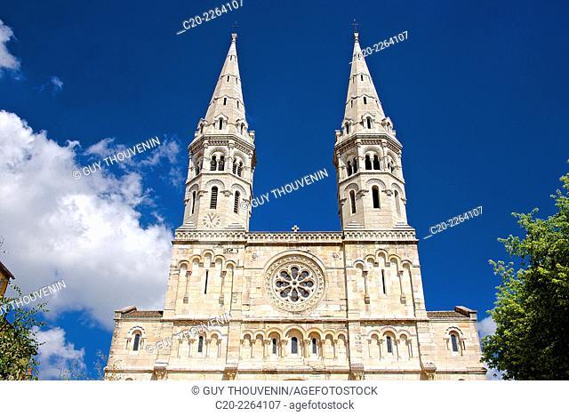Saint Peter Church, outside, Macon,Saône et Loire, 71, Bourgogne, France