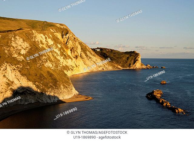 Man O'War cove, St Oswald's Bay, on the Dorset coast between Durdle Door and Lulworth cove, Dorset, England, UK