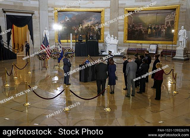 WASHINGTON, DC - FEBRUARY 3: .Visitors pay their respects before a ceremony memorializing U.S. Capitol Police Officer Brian D