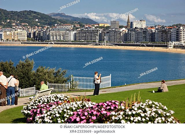 View of La Concha Beach from Palacio de Miramar, Donostia (San Sebastian), Gipuzkoa, Basque Country, Spain