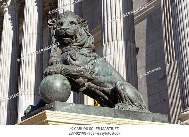 Lion of the Congreso de los diputados