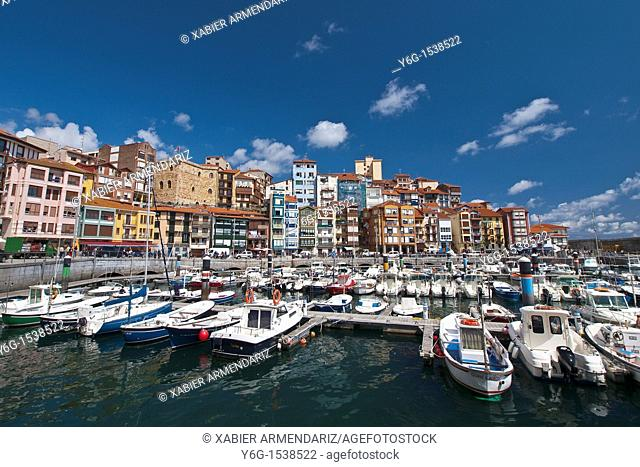 Old port of the village of Bermeo, province of Biscay, Basque Country, Euskadi, Spain, Europe