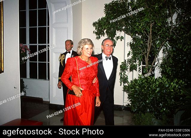 Associate Justice of the Supreme Court Sandra Day O'Connor, left, and her husband, John J. O'Connor, III, arrive at the White House in Washington