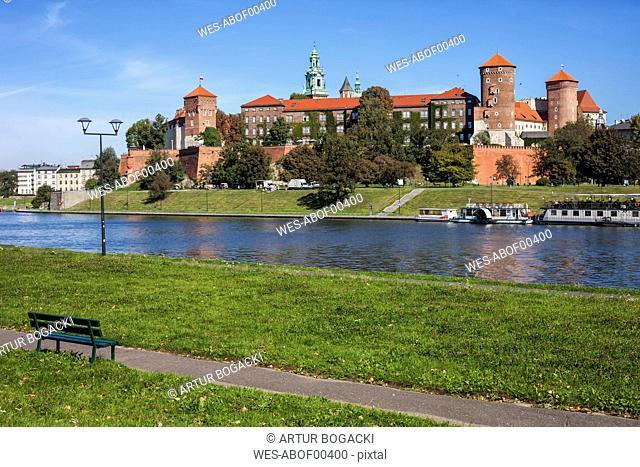 Poland, Krakow, Wawel Castle at the Vistula River