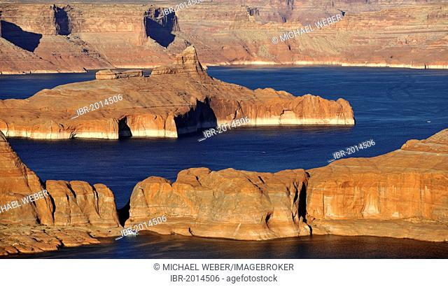 View from Alstrom Point towards Lake Powell, Padre Bay with Gunsight Butte and Navajo Mountain, Bigwater, Glen Canyon National Recreation Area, Arizona, Utah
