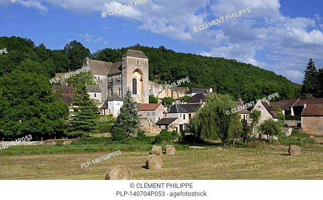 The medieval village Saint-Amand-de-Coly with its fortified Romanesque abbey church, Dordogne, Périgord, France