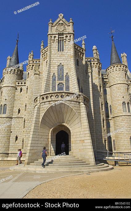 Astorga, Gaudi Palace now Museun of the ways, Episcopal Palace, Via de la plata, Ruta de la plata, Leon province, Castilla y Leon, Camino de Santiago