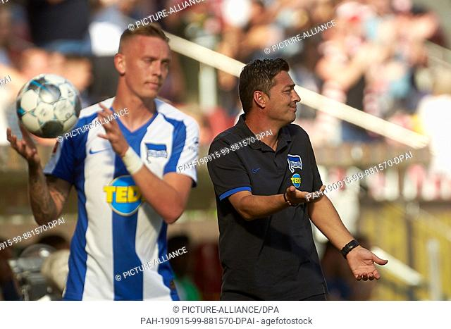 14 September 2019, Rhineland-Palatinate, Mainz: Soccer: Bundesliga, FSV Mainz 05 - Hertha BSC, 4th matchday in the Opel Arena. Berlin coach Ante Covic