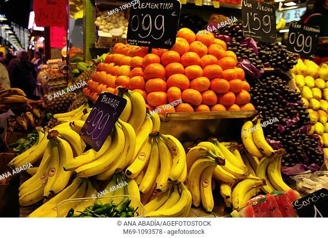 Venta de fruta en el Mercado de Sant Josep, La Boqueria, Barcelona