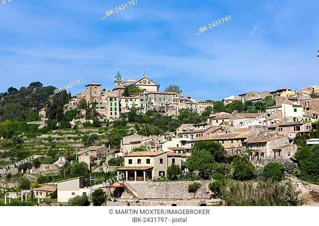 View the old town of Valldemossa, Serra de Tramuntana, Northwestern Coast, Mallorca, Majorca, Balearic Islands, Spain, Europe