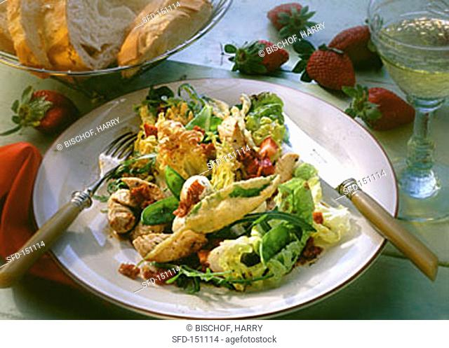 Salad with turkey & fried sage leaves