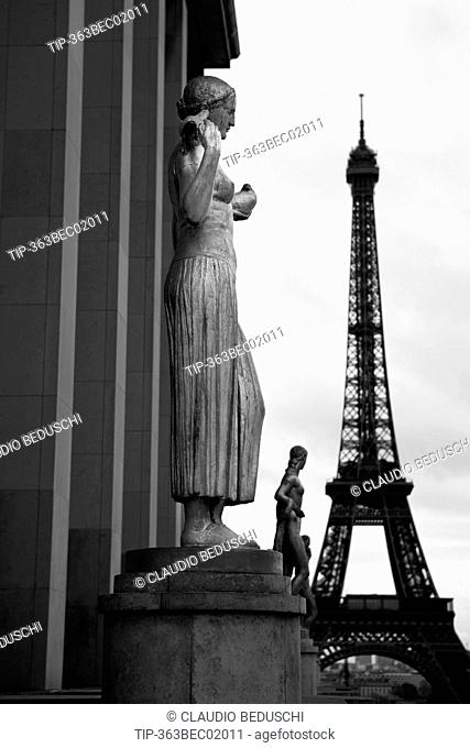 France, Paris, Trocadero, view of Eiffel Tower from the Chaillot Palace
