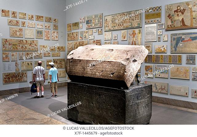 The MET, Metropolitan Museum of Art  Egyptian galleries  Sarcophagus of Wennefer in the center,New York City, USA