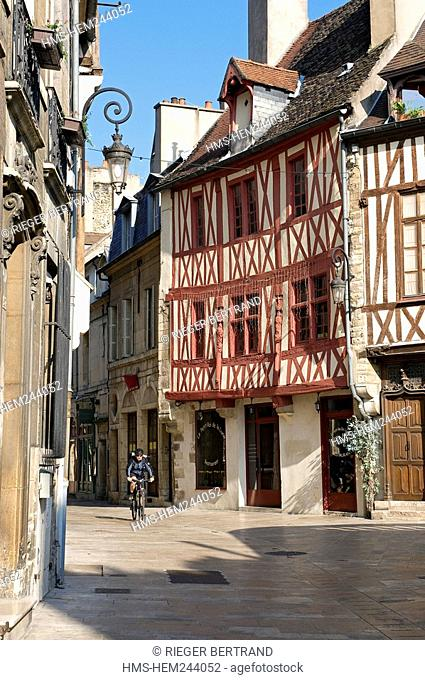 France, Cote d'Or, Dijon, timbered house at the corner of Vauban and rue Amiral Roussin Amiral Roussin Street Amiral Roussin Street