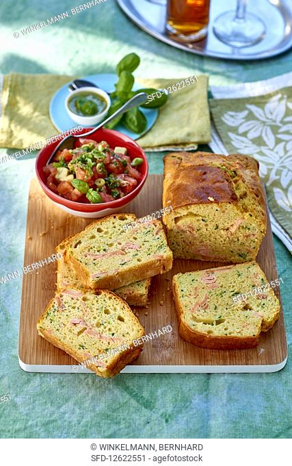 Spicy cake with salmon, courgette and Parmesan with tomato tartare