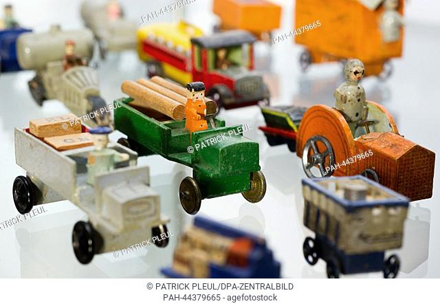Wooden toys from 1935 are displayed in the exhibition 'Tie, socks and pot - the most popular Christmas presents among Germans' (lit) in the Museum Viadrina in...