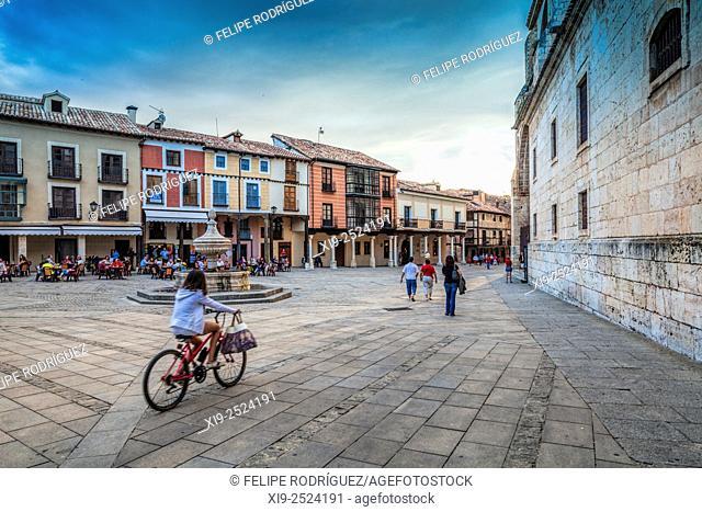Plaza de la Catedral (Cathedral Square), El Burgo de Osma, Soria, Spain