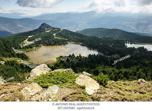 Laguna de los Patos and laguna Brava. Parque Natural de las Lagunas de Neila. Neila. Burgos province, Castile-Leon, Spain