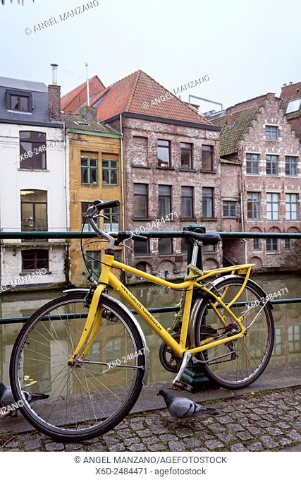 Bicycle in old town canal, Gent