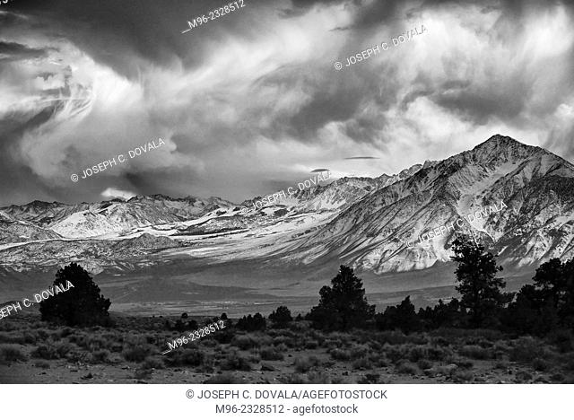 Sierra Nevada Mountain range in BW, California, USA