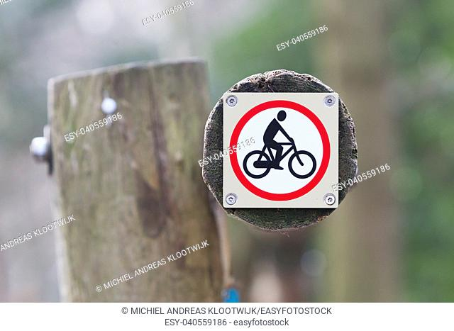 Forbidden to cycle, route through dutch nature