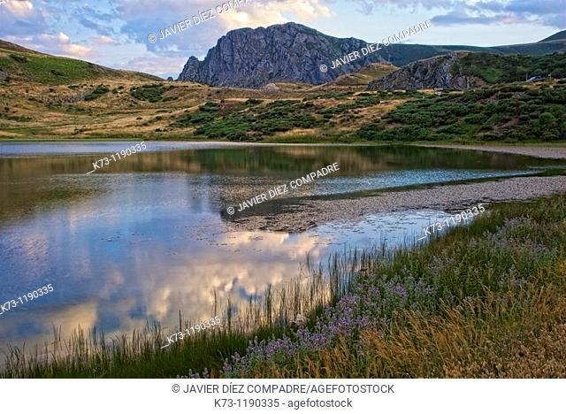 Isoba Lake. Picos de Europa Regional Park. Leon province. Castilla y leon. Spain