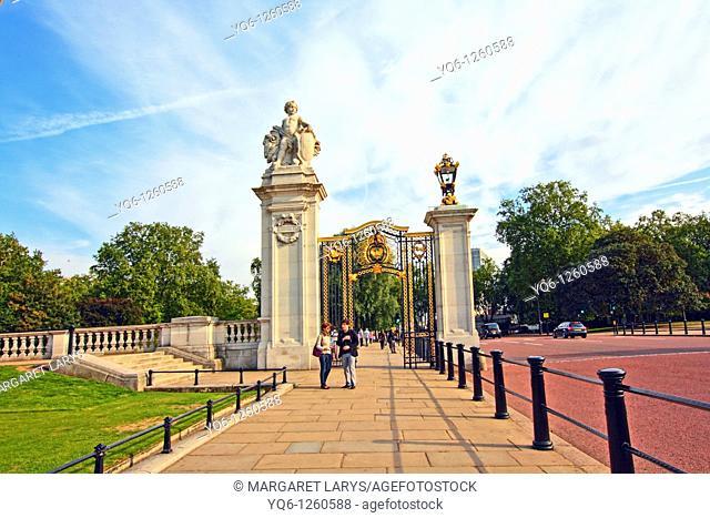 One of the gates leading to Buckingham Palace, London, UK