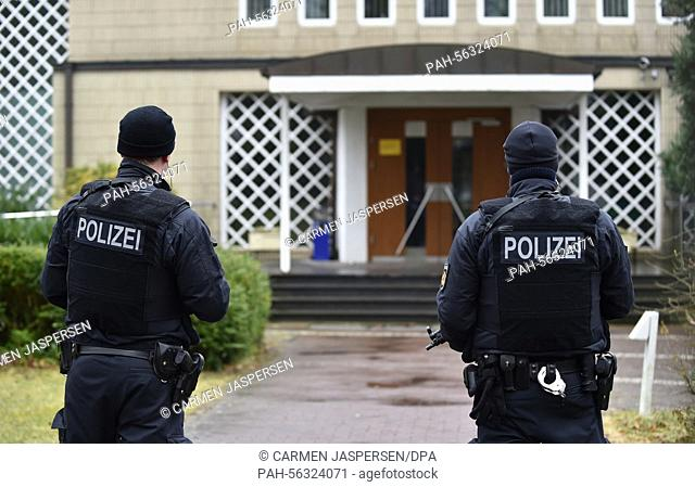 Police officers guard the synagogue inBremen,Germany, 01 March 2015. The police announced on 28 February 2015 that there is an increased danger in Bremen due...