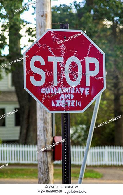 USA, Maine, Portland, Casco Bay, Peaks Island, stop sign