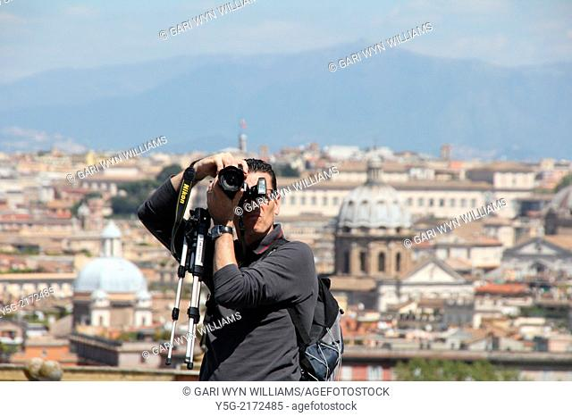 Rome, Italy. 16th April 2014. The extremely cold northerly tramontana wind clears the sky over Rome from the Gianicolo Hill, Italy