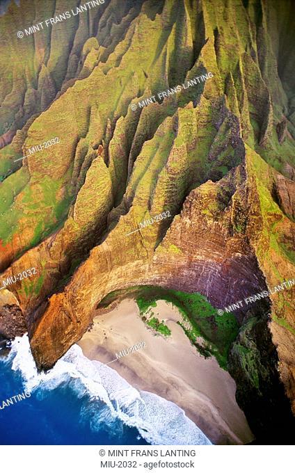 Aerial view on to the Na Pali coast of Kauai, Hawaii
