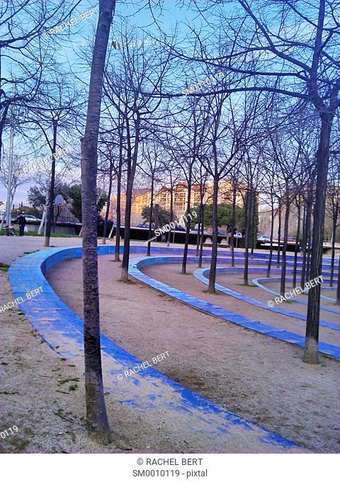 Estacio del Nord Park, Carme Fiol, Andreu Arriola I Enric Pericas, designers, esculpture from Beverly Pepper