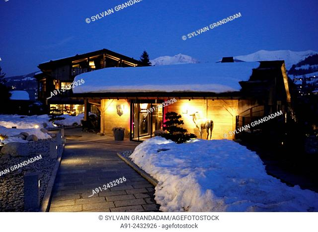 France, Haute-Savoie, Megeve in winter, The Alpaca villas and apartments, Restaurant with Chef Christophe Schuffenecker rated one star in Michelin