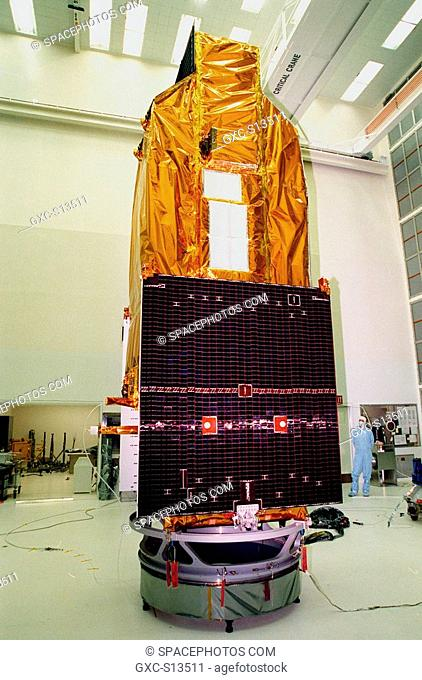 06/12/1999 --- NASA's Far Ultraviolet Spectroscopic Explorer FUSE satellite stands in the Hangar A&E, Cape Canaveral Air Station CCAS, ready for its launch