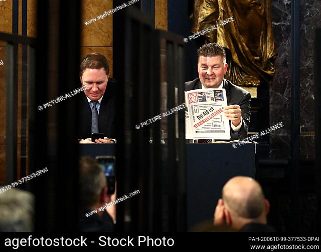 10 June 2020, Hamburg: Andy Grote (l), Senator-designate for the Interior and Sports, and Andreas Dressel (both SPD), Senator-designate for Finance of Hamburg