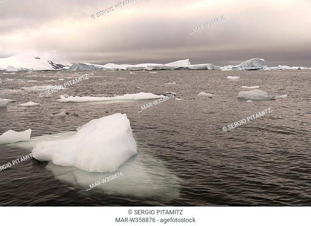 Antarctica, Antarctic Peninsula, Lemaire Channel, Icebergs near Pleneau Island