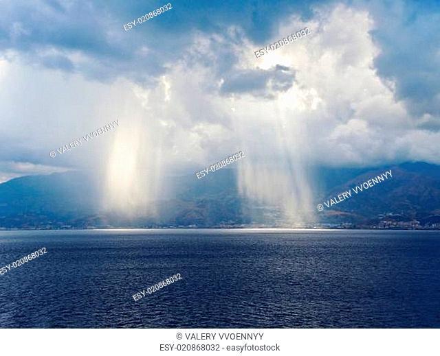 light of sun come through clouds