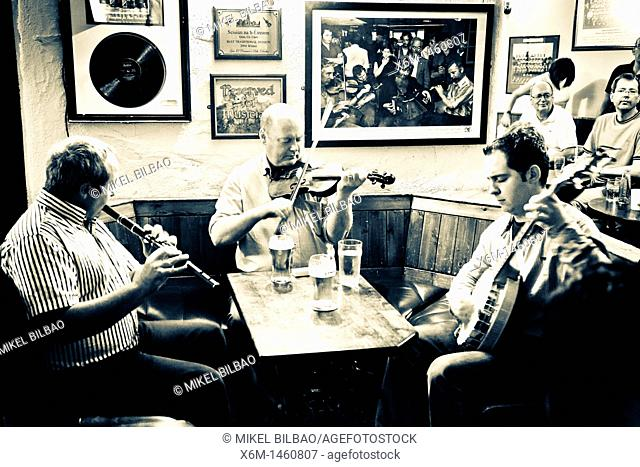 Traditional Irish music   Gus O'Connor's pub, founded in 1832  Doolin, County Clare, Ireland