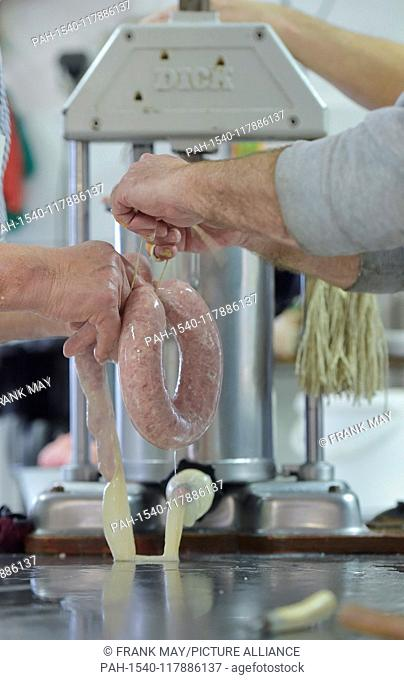 Home slaughtering - making sausage, Germany, city of Lindewerra, 01. March 2019. Photo: Frank May   usage worldwide. - Lindewerra/Thüringen/Germany