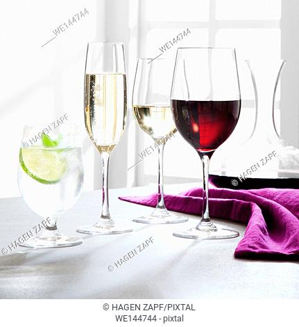 wine; sparkling wine and mineral water