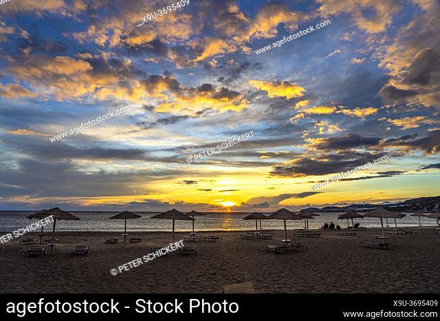 Sonnenuntergang am Strand von Paleochora, Kreta, Griechenland, Europa   Sunset at Paleochora beach, Crete, Greece, Europe