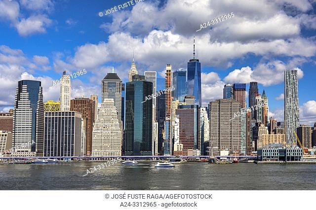 USA, New York City, Manhattan, Downtown Skyline, East River