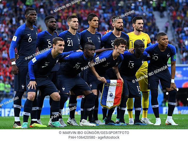 France's players line up for the team photo, back row from left to right: Paul Pogba, Samuel Umtiti, Lucas Hernandez, Raphael Varane