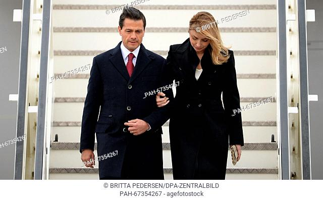 Mexican President Enrique Pena Nieto (L)and his wife Angelica Rivera arrive at Tegel Airport in Berlin, Germany, 10 April 2016